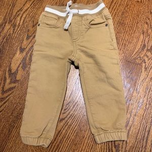 LIKE NEW GAP Pull-On Camel Colored Pants